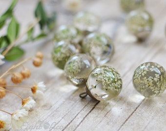 Mothers Day Necklace - Mothers Day Gifts, Mothers Day Jewelry,  Pressed flower botanical necklace White Queen Anne's Lace terrarium jewelry