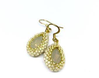 Crystal bridal earrings, Beige teardrop earrings, Crystal teardrop earrings, Swarovski crystal earrings, Beige and gold drop earrings
