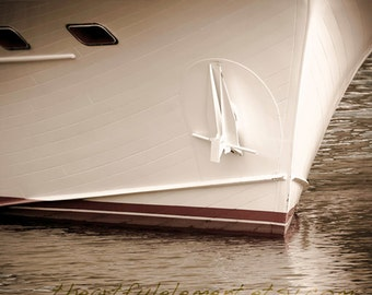 Nautical wall décor, Lake house decor, Canvas, She shed, Beach house, Coastal art, Boat photography // Chris Craft yacht bow
