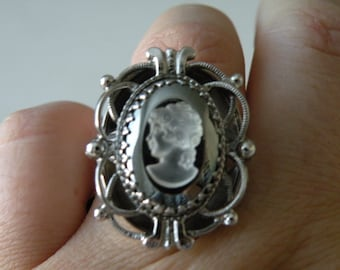 Whiting and Davis cameo ring. Size 11.25-11.5 Adjustable