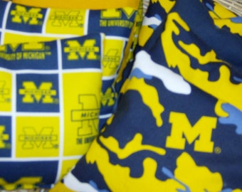 8 PC Double Set of Corn Hole Game Bags in a Michigan Wolverines Print