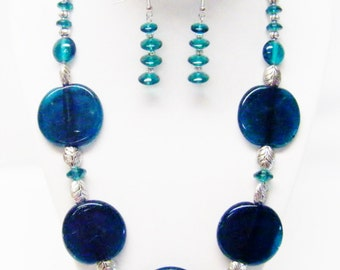 """21"""" Chunky Green Foil Lined Disc Glass Beaded Necklace & Earrings Set"""