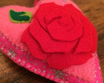 Red rose heart decoration