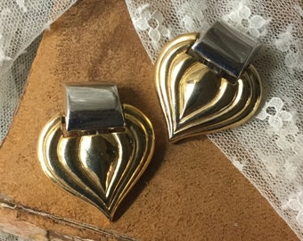 Almost Heart Shaped Mixed Metals Earrings Unsigned Clip On 1980's Perfect Career Wear Jewelry Embossed Wide Teardrop Shape Professional Chic