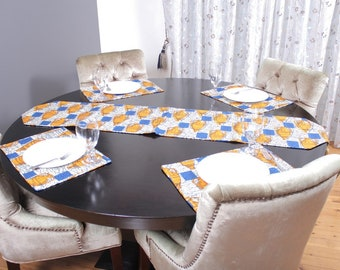 4 Placemats and 1 Table runner Set