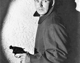 Alan Ladd in a publicity photo for This Gun for Hire in 1942