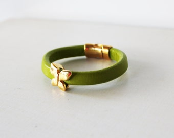 Green leather bracelet, Gold butterfly bracelet, Leather cord bracelet, Green arm candy, Green cord bracelet, gold jewelry, Gold licorice