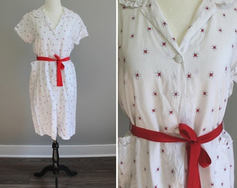 Gay Old Time Dress - 30s abstract print white and red housedress, small/medium