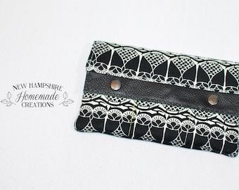 Minimalist Wallet - Black Owl - Leather accent