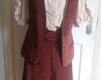 Vintage retro 70s suede A-line skirt and waistcoat suite patterned flared skirt suite matching belt boho bohemian maroon red geek chic suit