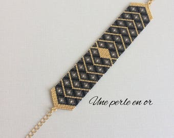 CLASS cuff bracelet / beads miyuki gray, black, gold / peyote weave /