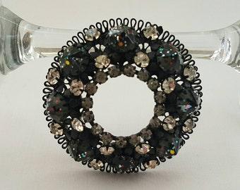 Japanned Circle Pin