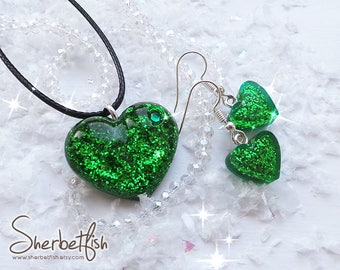 Green heart matching set, saint patrick's day matching necklace and earrings, resin jewellery, womens jewellery