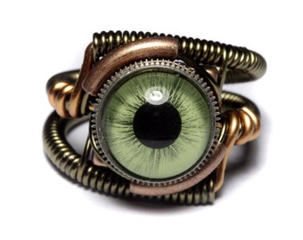 Eyeball ring, Green taxidermy glass Eye, Bronze copper finish, Steampunk Jewelry