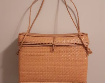 Vintage wicker purse, vintage wicker basket, straw purse unique ladies vintage handbag