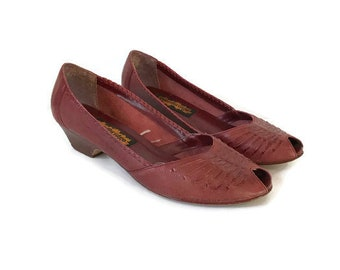 Vintage Mahogany Peep Toe High Heels Woven Shoes Slip Ons Brown Leather Shoes 70s 1970s hippie boho Womens size 9.5