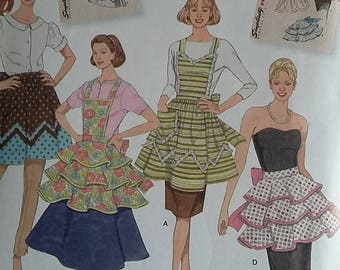 Simplicity 2592 apron pattern sizes S-M-L