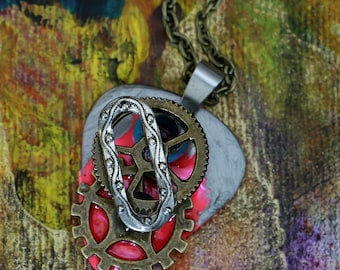 Guitar Pick Necklace - Psychedelic Maschine