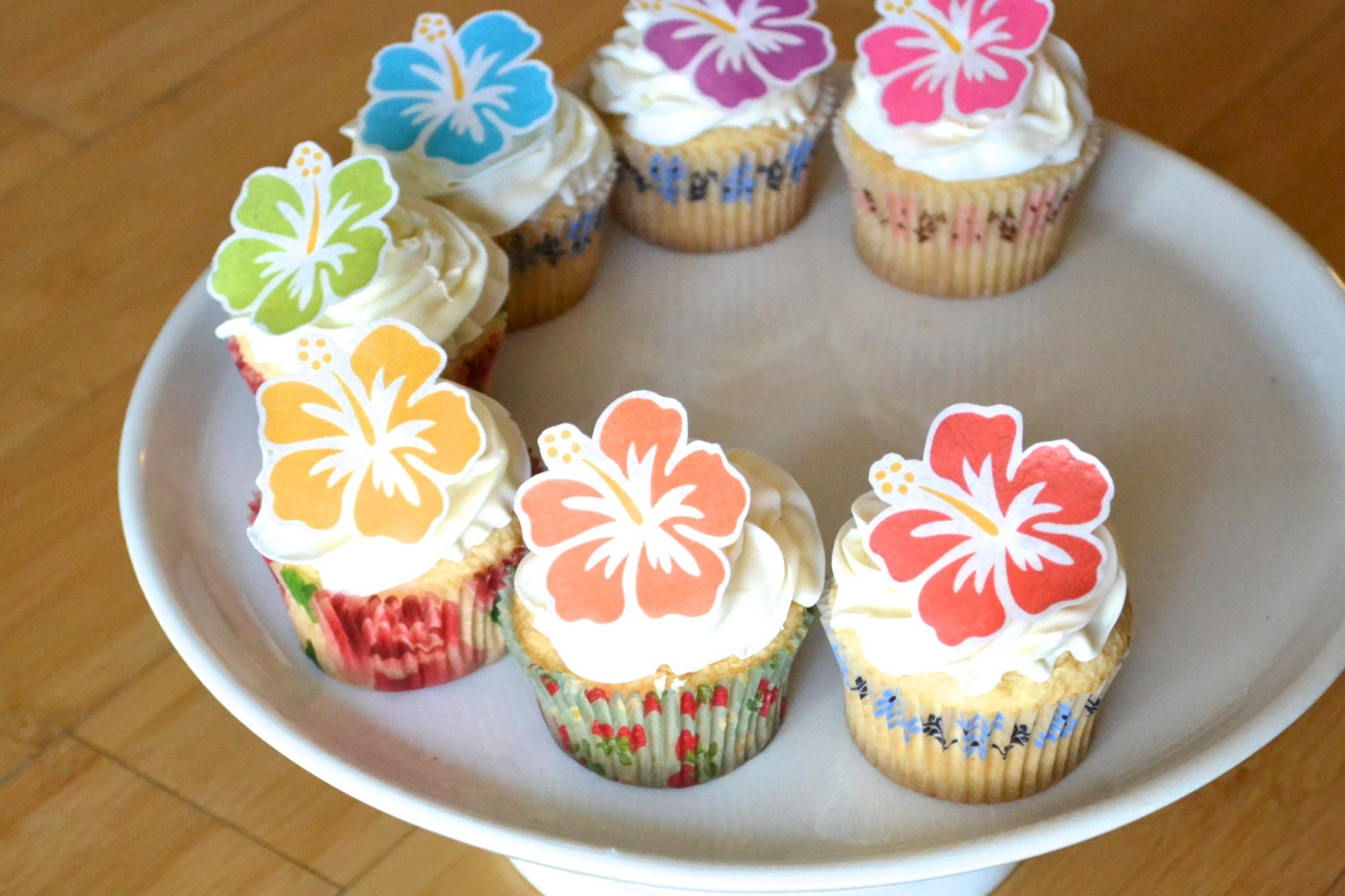 Edible hawaiian tropical hibiscus flowers cake cupcake toppers edible hawaiian tropical hibiscus flowers cake cupcake toppers food decorations izmirmasajfo Image collections