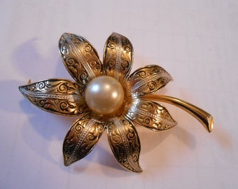 Vintage Signed Spain Gold Demascene Flower with Pearl Pin Brooch