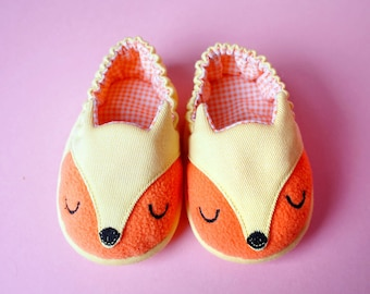 Newborn Elastic Booties, Infant Shoes, Prewalker Shoes, Fox Shoes, Orange Fox, Yellow Fox, The Fantastic Fox 03