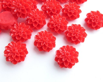 10 Pcs - 15mm Red Chrysanthemum Flower Cabochons