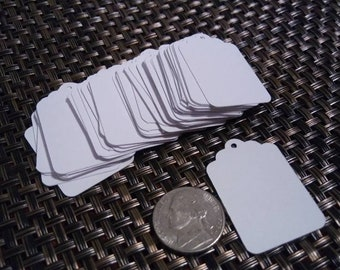 Blank Gift Tags, 1 by 1.5 inches (2.54 by 3.81 cm), scalloped top with hole punch, 110 lb (199 gsm)