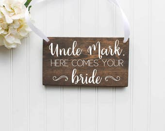 Here Comes The Bride Wooden Sign| Ring Bearer Sign| Flower Girl| Rustic Wedding Decor| Wooden Wedding Decor| Spring Wedding| Summer Wedding