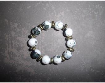 Kids black and white glass beads bracelet
