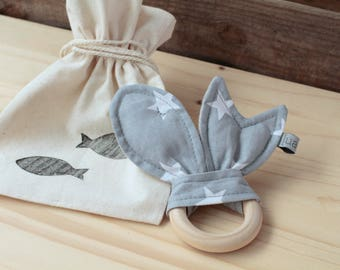 "Natural Wood Teether | ""Peixets"" Grey"