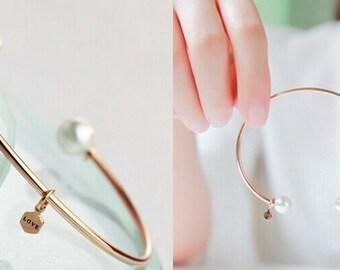 White / Rose Gold Filled 6mm Pearl Love Charm Bangle Bracelet
