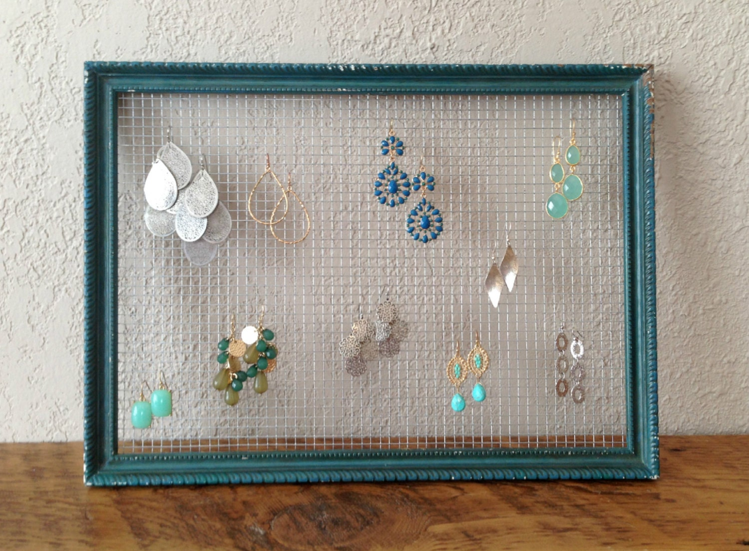 Chicken wire earring holder distressed jewelry organizer zoom jeuxipadfo Image collections