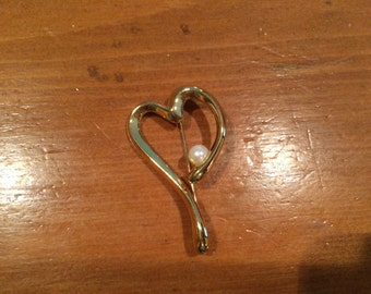 Vintage 90's Heart and Freshwater pearl Brooch