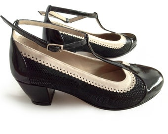 Ona Charol (Taco) - Medium heels shoes in black and ivory leather. T-strap dancing comfortable shoe. Handmade in Argentina