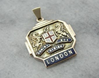 British Coat of Arms Pendant with Fierce Dragons JH6T85-R