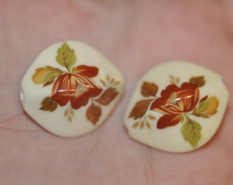 Vintage Sixties Lucite Beads with Floral Detail
