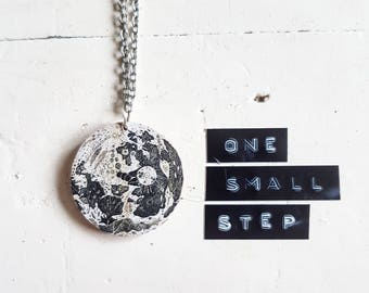 Moon Necklace // Planet Necklace // Planet Jewelry // Space Necklace // Solar System // Laser Cut // Wooden Jewelry