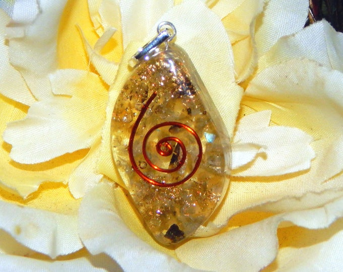 ASTRAL Orgone pendant - Handcrafted gemstone Reiki Crystal Necklace - Tibetan black Quartz copper