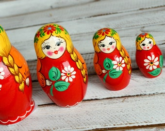 Russian classic matryoshka doll wooden hand painted toy 004178