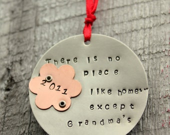 Grandma Ornament, Personalized Christmas ORNAMENT Grandma Nana - Holiday Personalized Ornament, Grandmother Ornament,Grandma Gift, Grandma'