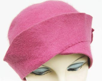 1920's Vintage Pink Fur Felt Women's Cloche