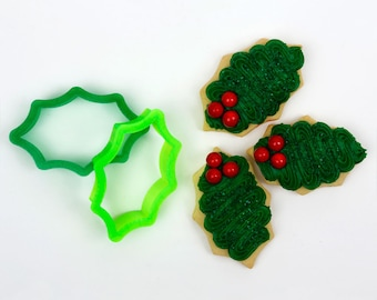 Jolly Holly Leaf Cookie Cutter (2-cutter set)