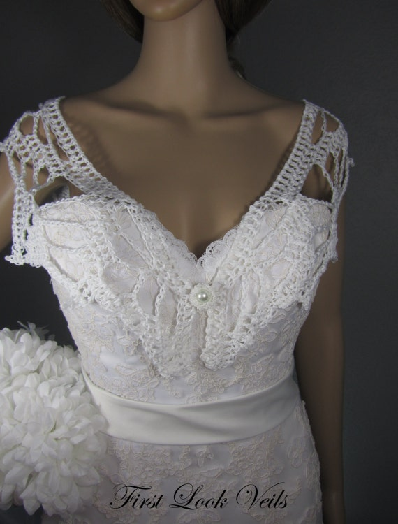 White Wedding Shawl, White Bridal Shrug, Cotton Shoulder Shawl, Hand Beaded Clasp, Mother Of The Bride Shawl, Crocheted Shrug, Women, Gift