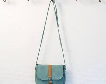 Small bag Harriet, shoulder bag in natural leather band and sky blue nubuck