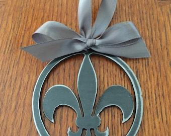Fluer de Lis Ornament Metal