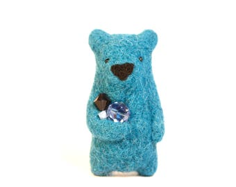 Needle felted turquoise bear brooch whit crystals