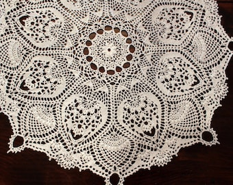 Crochet doily, white, large lace pineapple doilie, table topper, centerpiece