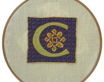 Traditional embroidery kit - Illuminated C