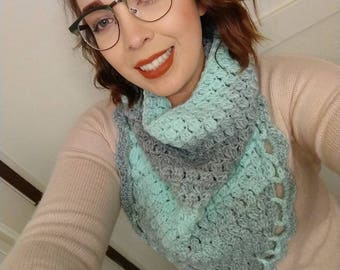Wool Blend, Crocheted, Scallop, Triangle Cowl