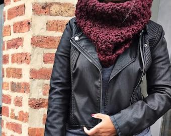 Crochet cowl for women and teens/wool/acrylic blend-Burgundy